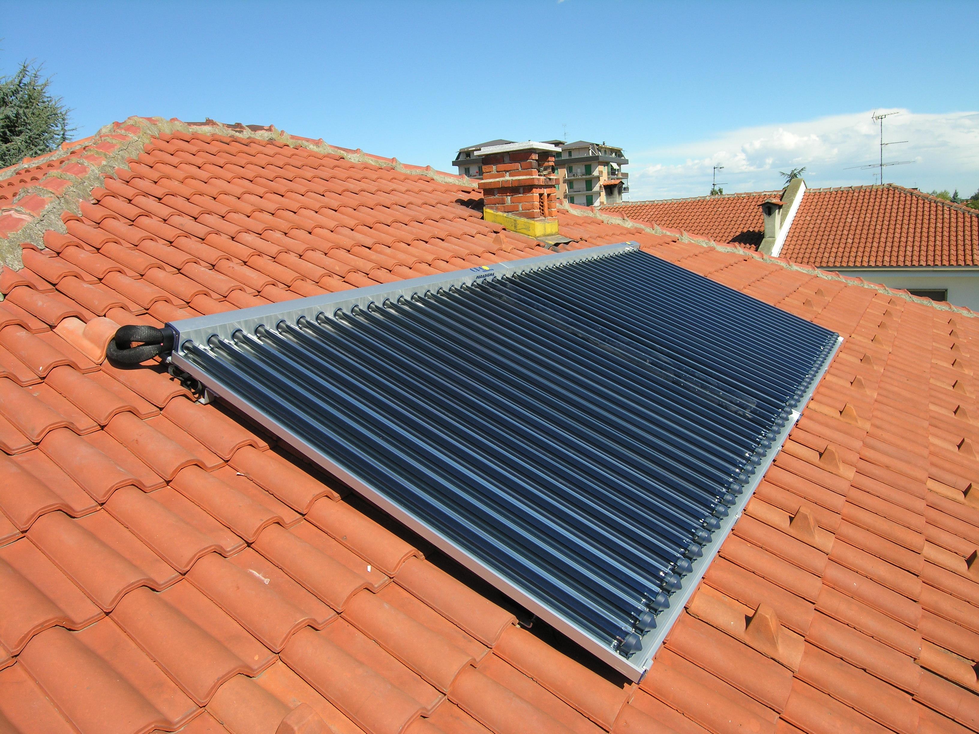 Pannello Solare A Tubi Sottovuoto : Collettore a tubi sottovuoto